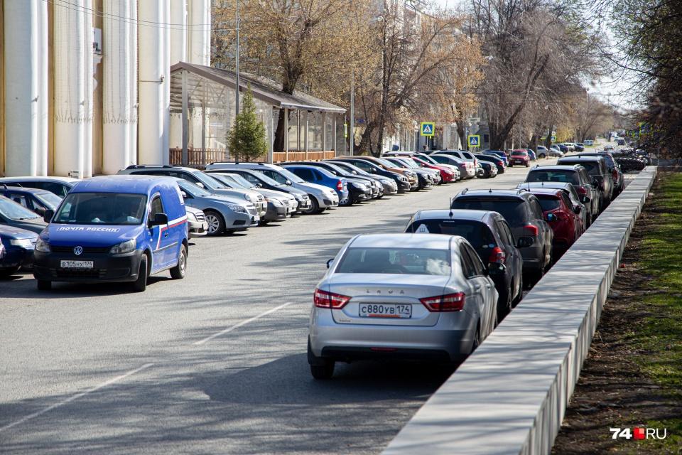 Кажется, что в режим изоляции большинство автомобилистов должны сидеть по домам. На самом деле это не так