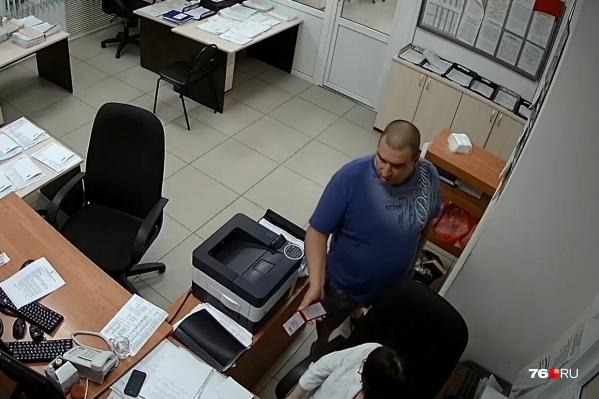 Агрессивный мужчина заявился на станцию скорой помощи в третьем часу ночи