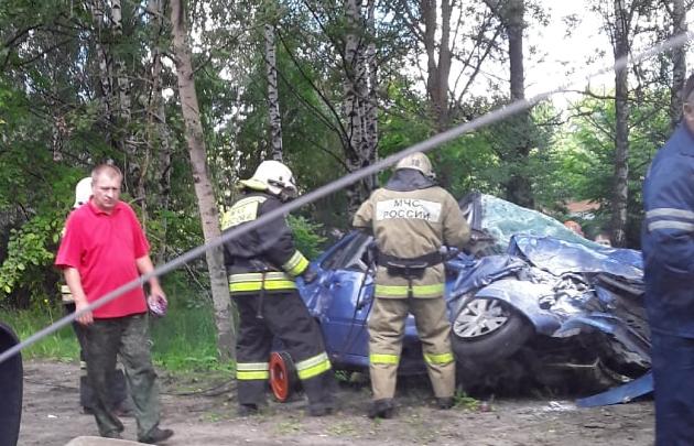 «Газель устроила месиво»: в тройном ДТП в Ярославле пострадали 5 человек. Видео