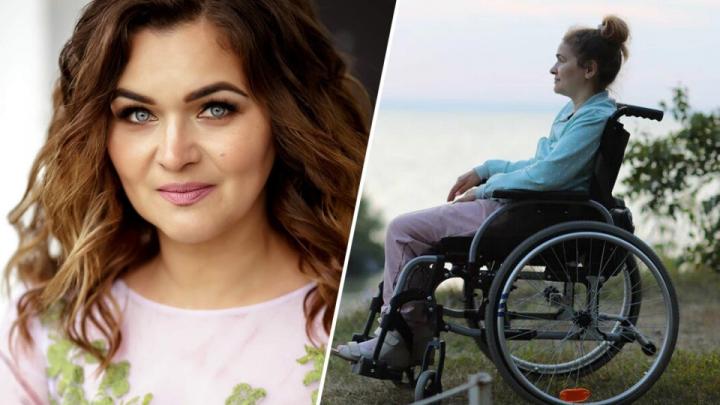 После статьи на НГС парализованной сибирячке привезли электронную инвалидную коляску