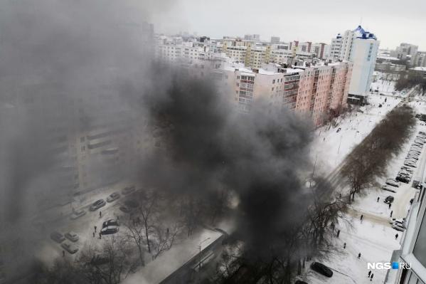Киоск загорелся в Ленинском районе Новосибирска