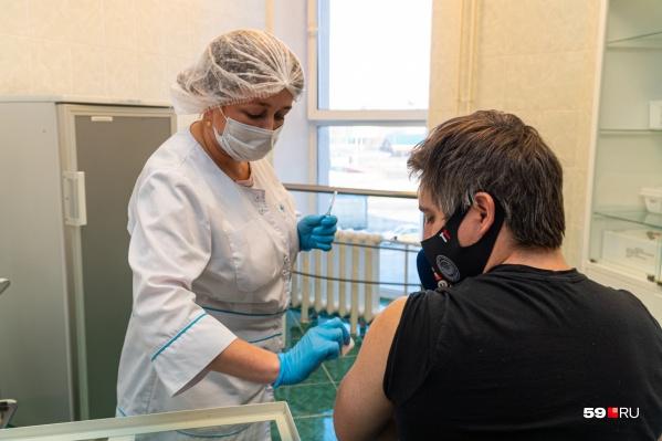 Пациент сможет выбрать, какой вакциной привиться, после консультации врача