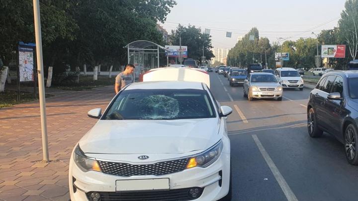 В центре Самары автомобилист сбил двух пешеходов