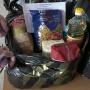 Почему наборы разные? Смотрим, что входит в сухпаек для школьника в Архангельске: видео