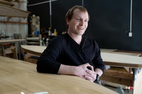 Дмитрий продавал сварочное оборудование, но три года назад решил кардинально сменить работу