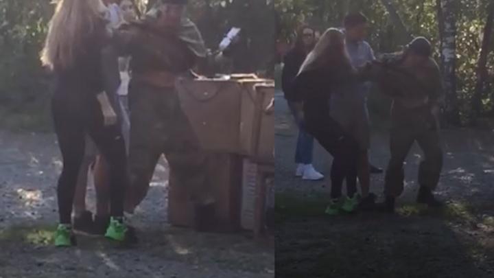 В Челябинске скандальный хозяин волка подрался с зоозащитницей