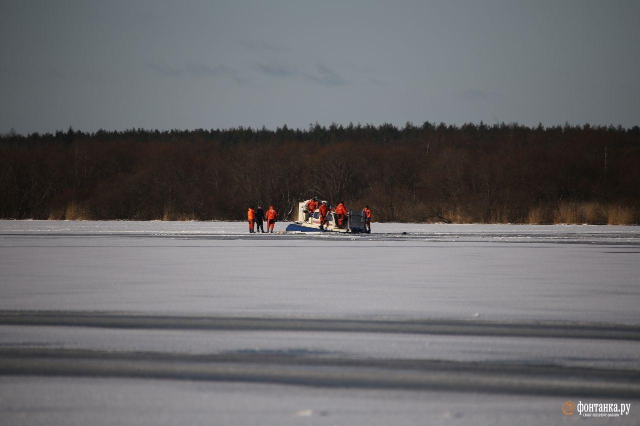 Спасателям приходилось искать рискнувших выйти на воду Финского залива людей.Санкт-Петербург, 7 февраля 2020 года