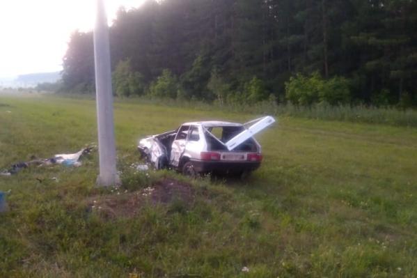Машину водитель без прав подарил сам себе