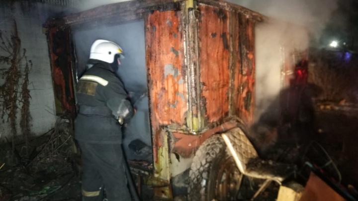 В Екатеринбурге сторож погиб при пожаре в промзоне