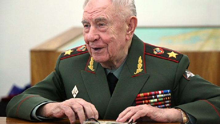 Маршал, который ввёл танки в Москву: каким в истории останется Дмитрий Язов