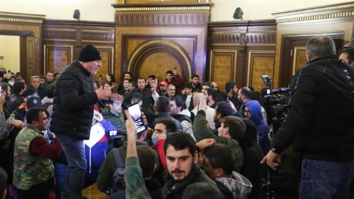 Армения, Азербайджан и Россия договорились прекратить огонь в Нагорном Карабахе