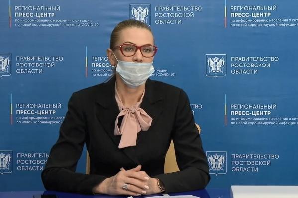 По словам Теларовой, ежедневный запас масок в регионе — 250 тысяч
