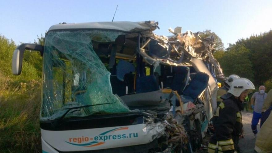В смертельной аварии с автобусом под Калининградом пострадала челябинка