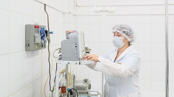 Помогает дышать: инфекционные госпитали Волгограда получили новые аппараты для пациентов с коронавирусом
