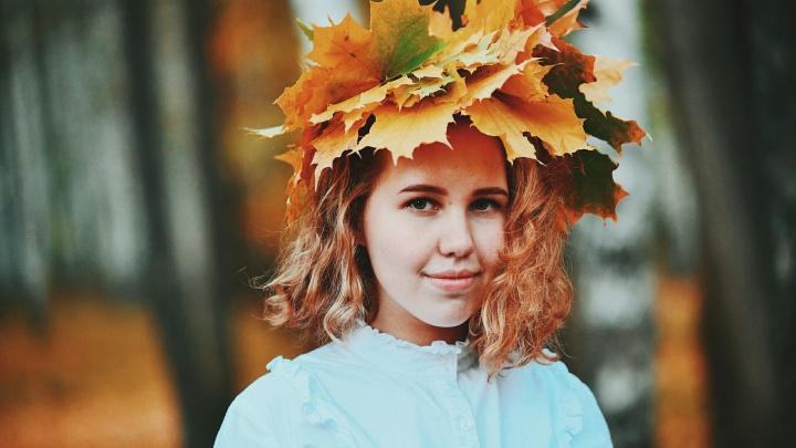 Школьница из Чайковского, создавшая обложку Vogue с Билли Айлиш, будет работать на канале «Пятница!»