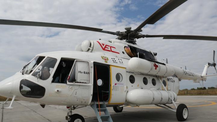 На вертолете санавиации в Тольятти эвакуировали ковид-пациента в тяжелом состоянии