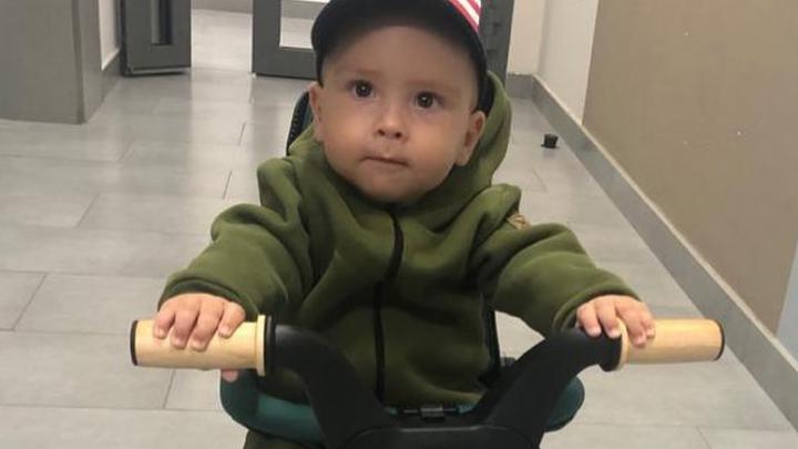 «Из Америки на зеленом велике»: мальчик Дима со СМА вернулся в Тюмень после реабилитации
