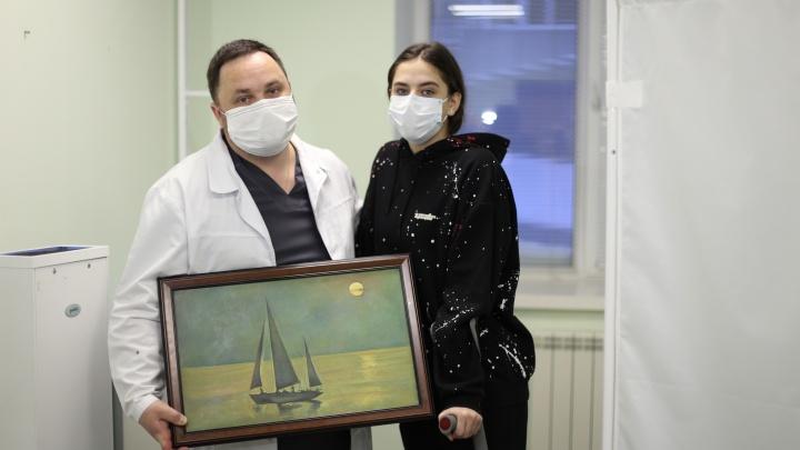 «У меня была истерика». В Новосибирске врачи спасли 15-летнюю гимнастку (другие хотели ставить ей протез)