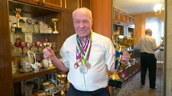 42 километра молодости: 78-летний пенсионер из Архангельской области до сих пор бегает марафоны