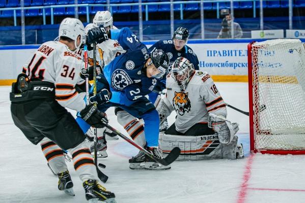 В этот раз сибиряки одержали победу над соперниками из Хабаровска