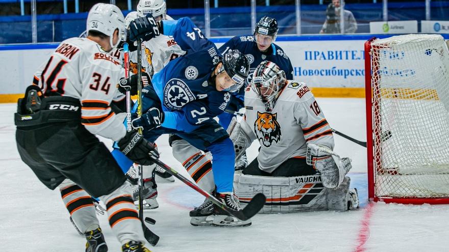 Хоккей: «Сибирь» выиграла у «Амура» из Хабаровска во втором контрольном матче