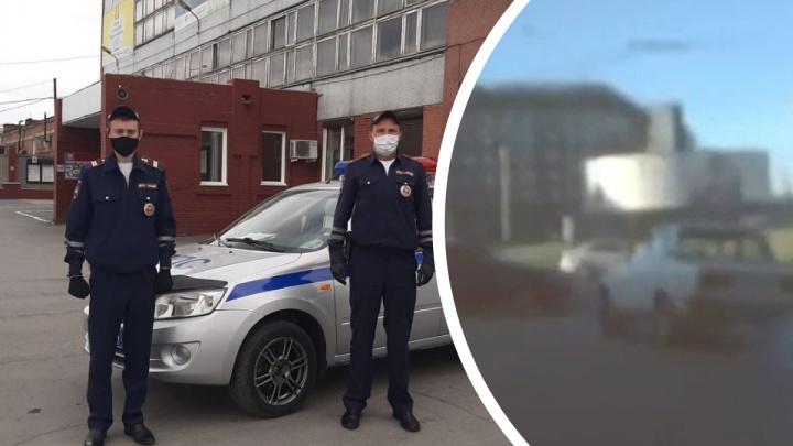 Ездил из стороны в сторону: видео погони за пьяным водителем на Красном проспекте