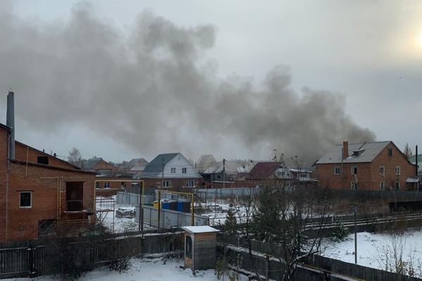 В микрорайоне Метелёва сейчас работают спецслужбы