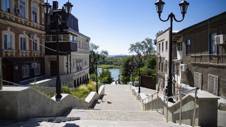 Полная иллюминация: в администрации Ростова ответили, когда на Казанской лестнице появится освещение