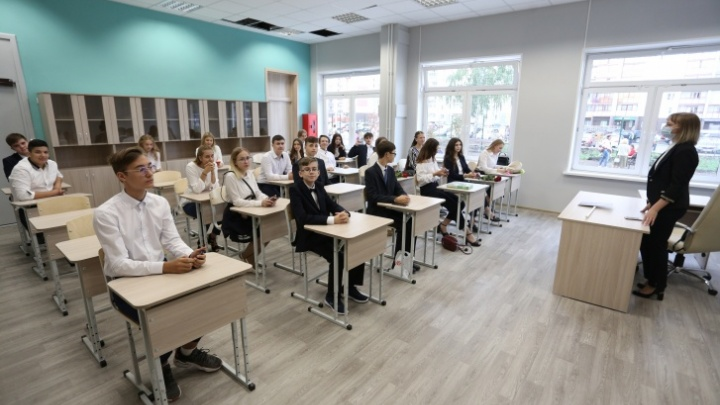В челябинских школах обсуждают переход на дистант (уже со следующей недели). Что на это ответили чиновники