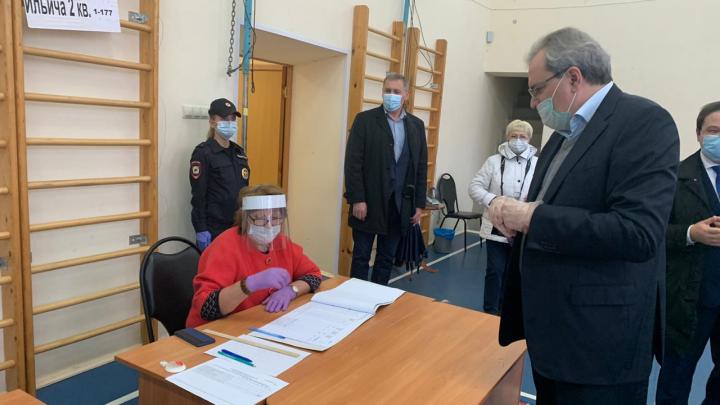 Советник президента России Валерий Фадеев не нашёл замечаний на избирательных участках Архангельска