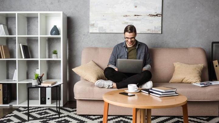 Работать в пижаме и смотреть сериалы: 10 мифов об удалённой работе, в которые пора перестать верить