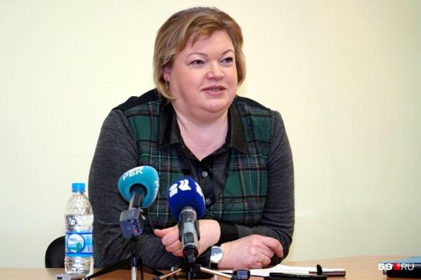 Глава Минздрава Прикамья в прямом эфире отвечала на вопросы медперсонала подстанций скорой помощи
