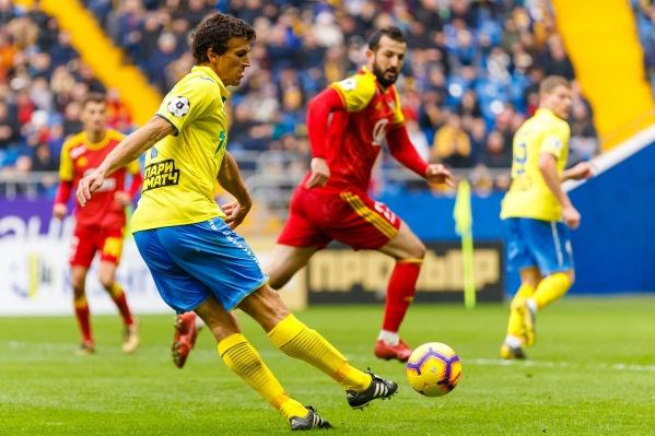 В первом круге Роман Еременко пушечным ударом поразил ворота «Арсенала» и помог «Ростову» победить — 3:2