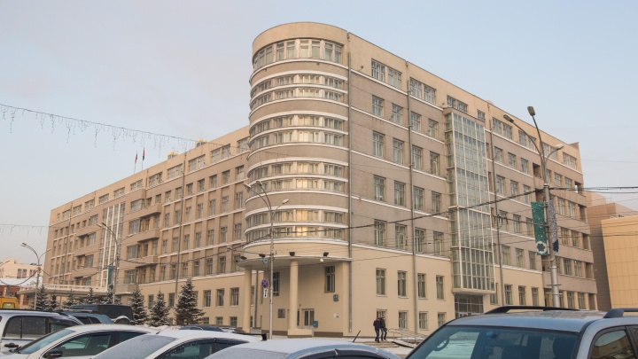 Власти Новосибирской области хотят снять ограничения с фуд-кортов и кинотеатров