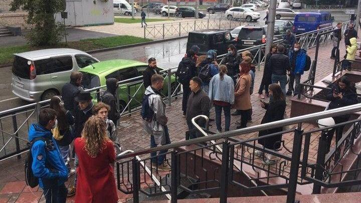 Полиция возбудила дело после нападения на штаб оппозиционной коалиции в Новосибирске