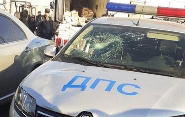 В Ростове мужчина попал под колеса машины ДПС