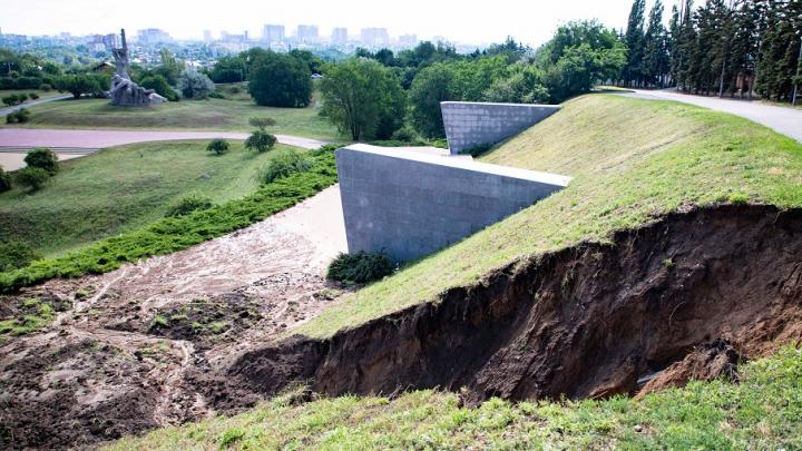 Власти рассказали, когда и как приведут в порядок разрушенную ливнем Змиевскую балку