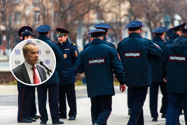 Александр Петрушин является председателем общественного совета при УМВД по Тюменской области. Он считает, что у сотрудников полиции тоже есть право на личную жизнь, в том числе и в соцсетях