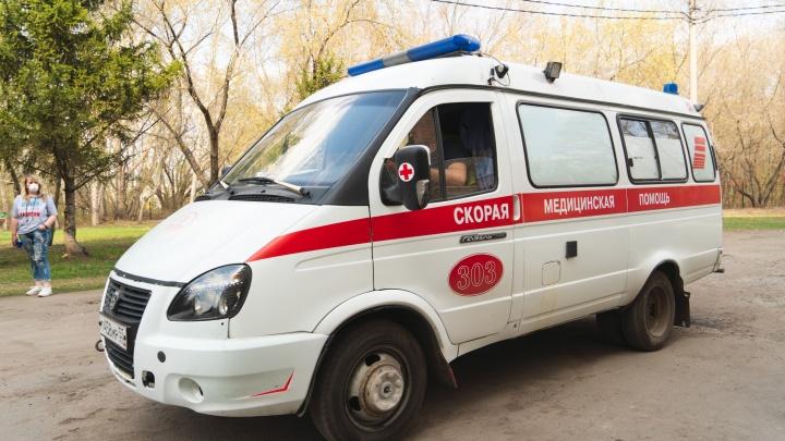 В Исилькуле школьницу на полном ходу сбил внедорожник. Она выбежала прямо под машину