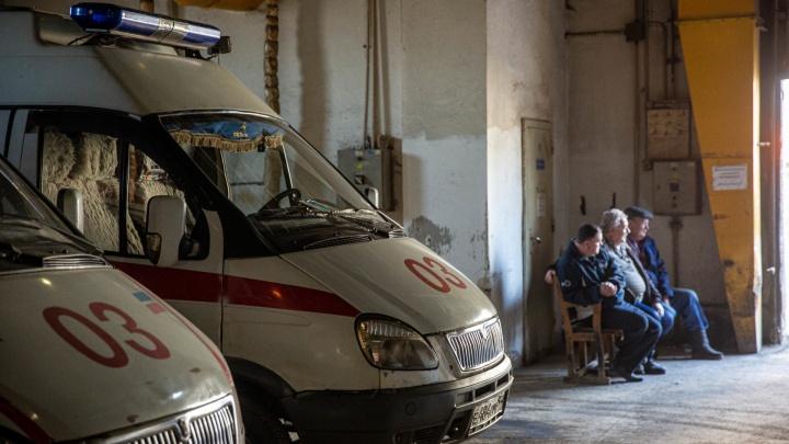 Главврач скорой ответила на жалобу водителей, которые ездят на вызовы без защиты от коронавируса