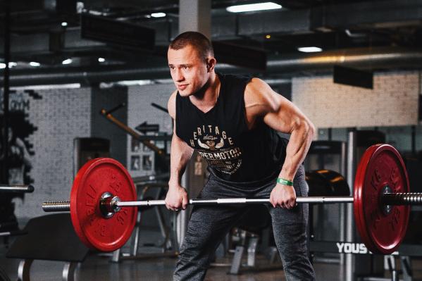 Смотрите жиросжигающую зарядку и запоминайте упражнения