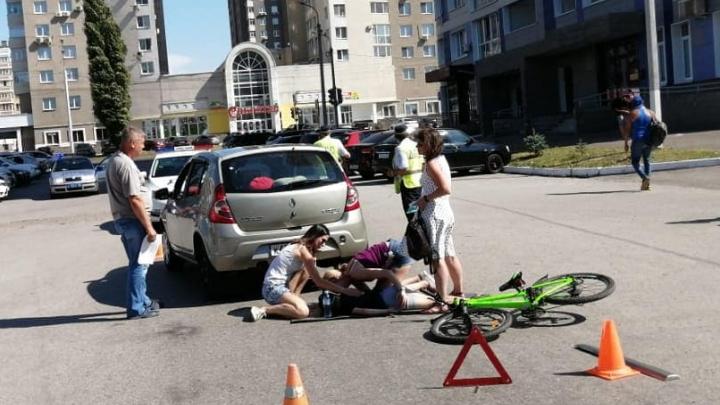 В Уфе водитель за рулем Renault Sandero сбил 8-летнего велосипедиста