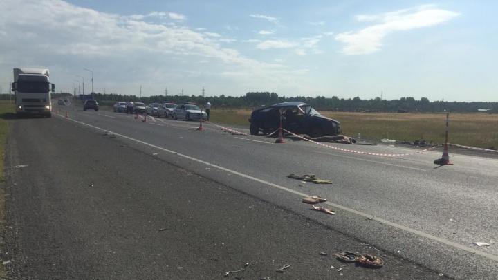 Появилось видео утренней аварии у Черлакской развязки с двумя погибшими