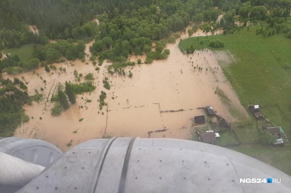 В поселке Нарва подтоплены 24 дома и 40 участков