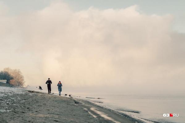 Из-за мороза над Волгой образовался густой туман