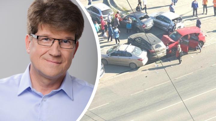 Водителем, протаранившим четыре машины в Челябинске, оказался сын экологического активиста
