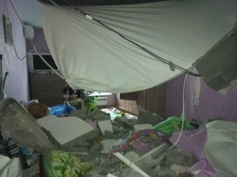 Оторвало даже натяжные потолки