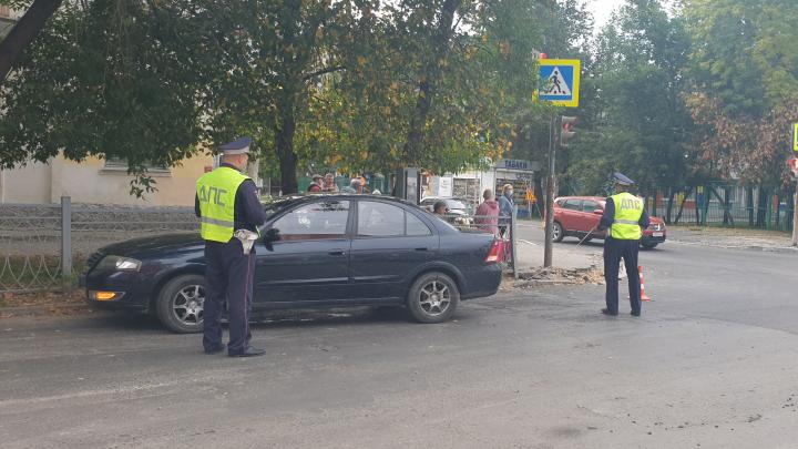 Мальчик бежал на красный свет: в Екатеринбурге Nissan сбил 5-летнего ребенка