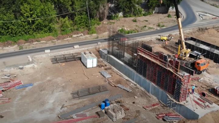 На Грозненской начали строить опоры для будущей развязки Фрунзенского моста — 2