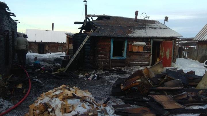 Мать с двумя детьми погибли в пожаре под Красноярском
